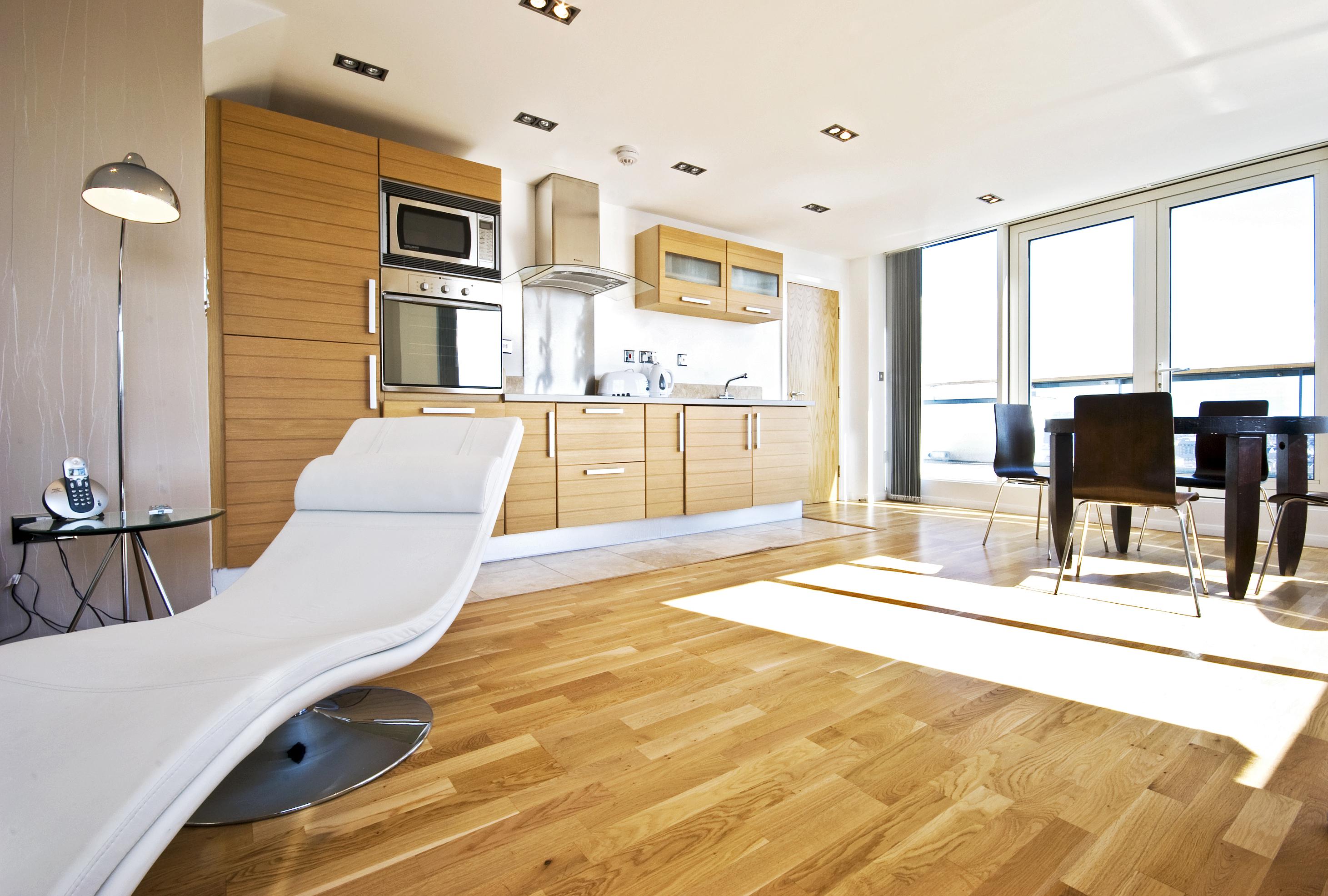 Parkett in der Küche | Küche Parkett | Parkett für Küche - SYMPARKETT